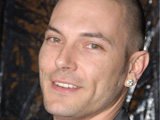 Kevin Federline says that an addiction to fizzy drinks caused his weight to climb to almost 17 stone.