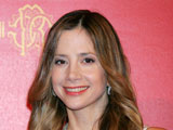 Actress Mira Sorvino reveals that she turns down work to avoid being separated from her family.
