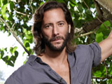 Henry Ian Cusick teases fans over the two versions of Desmond on Lost.