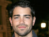 Jesse Metcalfe claims that he struggled to cope with being famous after appearing on Desperate Housewives.