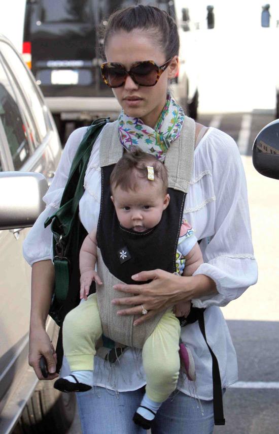 jessica alba movies 2011. jessica alba movies 2011. Jessica Alba and her baby; Jessica Alba and her baby. KingYaba. Apr 15, 03:08 PM