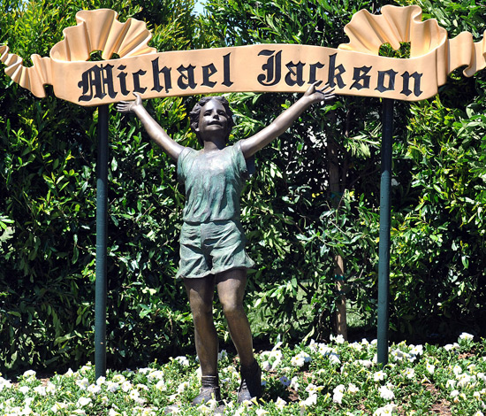 Inside Neverland Ranch