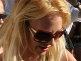 Britney Spears is issued with a parking ticket after parking illegally, while shopping at Vionnet Boutique on Robertson Boulevard.