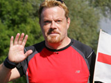 Eddie Izzard continues on his marathon a day challenge, Leeds