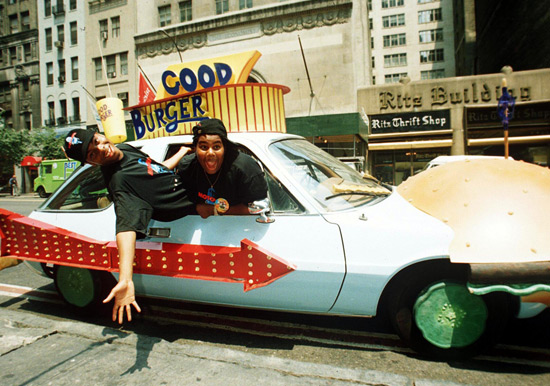 Keenan and Kel in Good Burger car