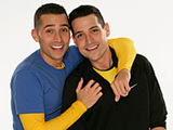 Dan and Jordan Pious in The Amazing Race