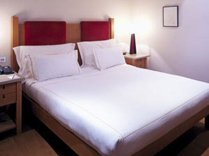A hotel bed