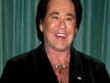 Wayne Newton transfers his private jet from a Detroit airport to his backyard in Las Vegas.