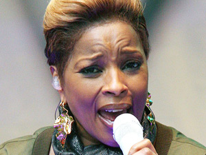 Mary J Blige performs at a free outdoor concert in Times Square