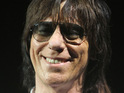 Guitarist Jeff Beck reportedly decides to insure his fingers after accidentally chopping one off.