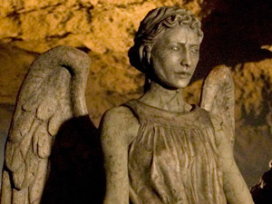 Doctor Who S05E04: The Time of Angels - A Weeping Angel