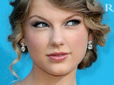 Pop sensation Taylor Swift arrives at the 45th Annual Academy of Country Music Awards held in Las Vegas
