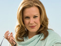 Elizabeth Perkins reportedly decides to leave Weeds to star in a movie and produce a comedy series.