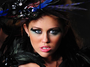 Miley Cyrus in the 'Can't Be Tamed' video