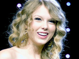 Taylor Swift wins Artist of the Year Award at the The Music Business Association's 2010 Award Dinner