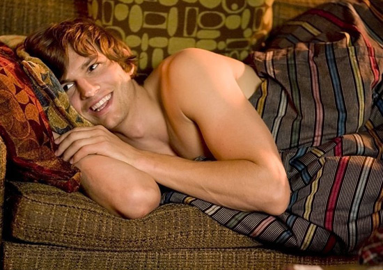 ashton kutcher shirtless 2011. Shirtless Ashton Kutcher