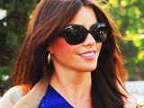 'Modern Family' star Sofia Vergara has her hands full while grocery shopping at Bristol Farms