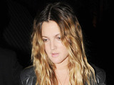 Drew Barrymore leaves her London hotel