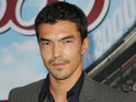 Ian Anthony Dale reveals that his character Simon will link the storylines of The Event.