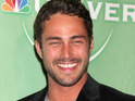 Vampire Diaries star Taylor Kinney explains that he shoots with a real wolf on the show.