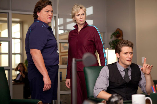 "Coach Beiste, Will and Sue argue in ""Audition"""