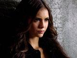 S02E04 'Memory Lane': Elena