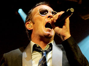 Scott Weiland of Stone Temple Pilots performing live in concert