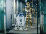 R2-D2 and C-3PO in an advert for Currys