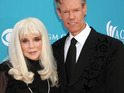 Randy Travis and wife of 19 years Elizabeth finalize their divorce.
