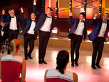 Glee: S02E06 - The boys perform