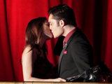Gossip Girl: S04E09 - Chuck and Blair kiss