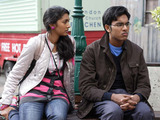 Afia visits Tamwar at the stall to try and clear things up, claiming she honestly did not know.