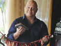 Michael Chiklis signs up to play the title role in sitcom pilot Vince Uncensored.