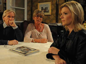 Leanne pleads her case with Ken and Deirdre Barlow