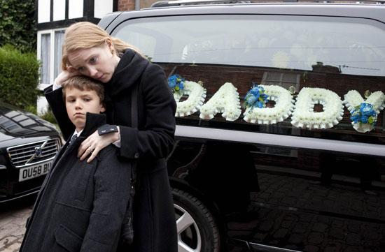 corrie funeral vengeful janine 39 oaks murder coronation. Black Bedroom Furniture Sets. Home Design Ideas