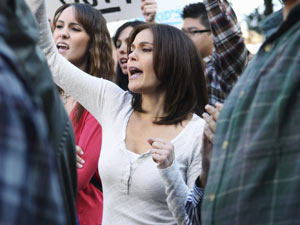 Desperate Housewives S07E10 &#39;Down The Block There&#39;s A Riot&#39;: Susan Delfino