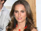 Natalie Portman at the Los Angeles premiere of 'No Strings Attached'