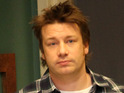 Celebrity chef Jamie Oliver says that Americans have a responsibility to serve healthy food to kids.