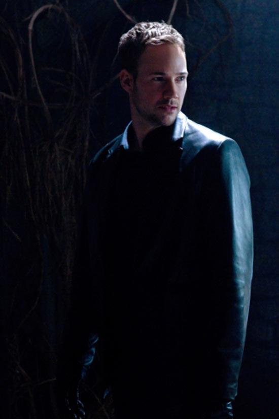 Smallville: S10E14: Masquerade