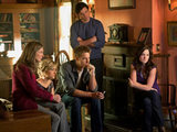 Smallville S10E13 'Beacon': Martha, Chloe, Oliver, Clark and Lois