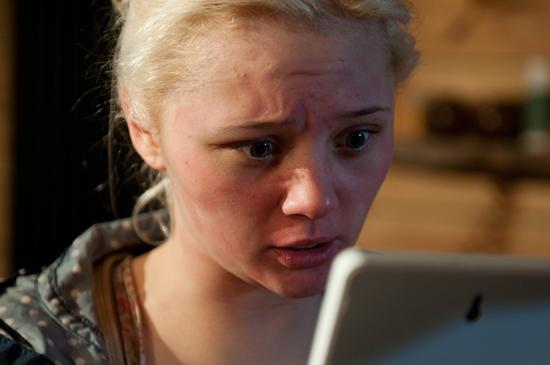 Hollyoaks: 3033: 2011-03-09