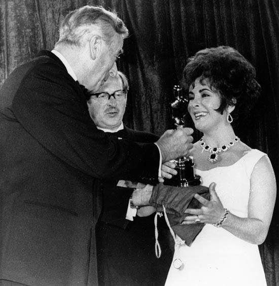 Liz Taylor wins an Oscar