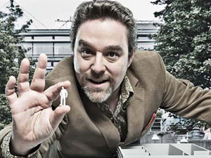 Andy Nyman as Jonty De Wolfe