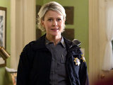 The Vampire Diaries S02E20 'The Last Dance': Sheriff Forbes