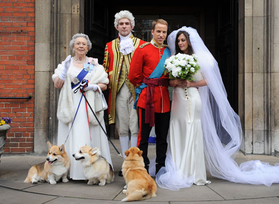 Royal wedding impersonators