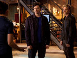 Smallville S10E19 'Dominion': Tess Mercer, Tom Welling and Oliver Queen