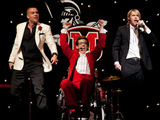 Glee S02E20: Puck, Artie and Sam perform