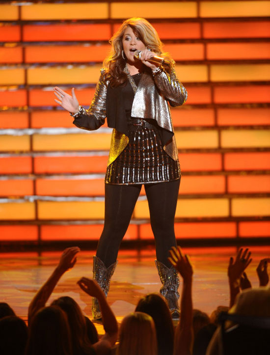 Lauren Alaina performs at the American Idol Finals
