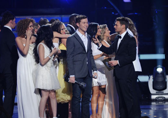 Scotty McCreery is congratulated