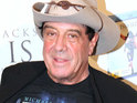Molly Meldrum is taken off a ventilator three weeks after his serious fall.